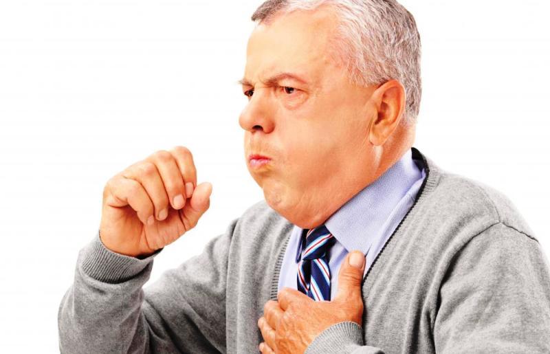 Приступ астмы у мужчины