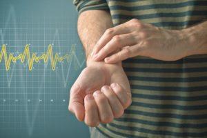 Измерение пульса пальцами
