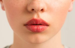 Симптомы аллергии на губах