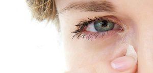 Чешется глаз