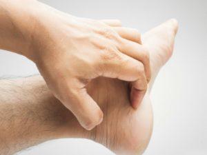 Зуд на ноге взрослого челоека
